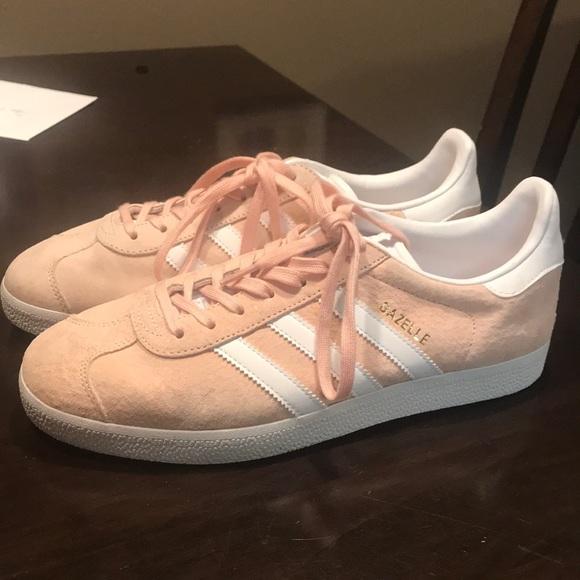 Le adidas gazzelle poshmark rosa